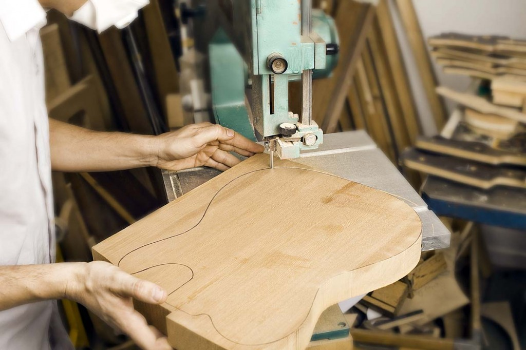 Celinder bass building